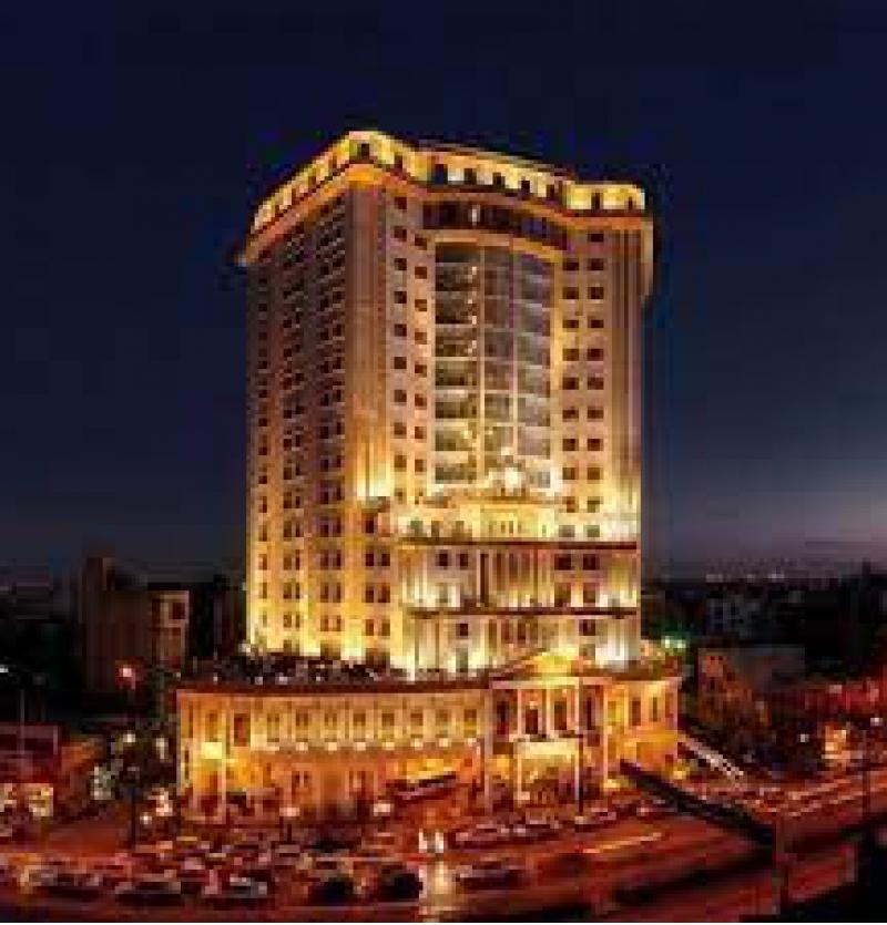 هتل بین المللی 5 ستاره قصر طلایی