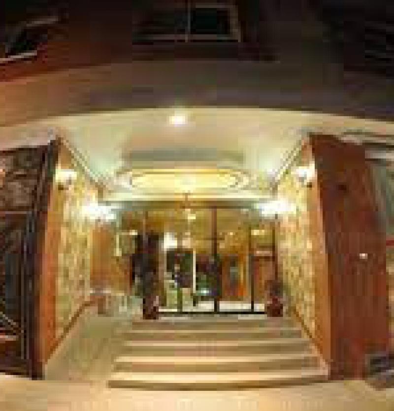 هتل اپارتمان 3 ستاره هلال